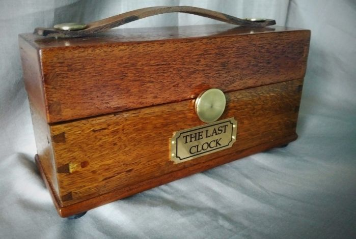 1930's dovetailed wooden case